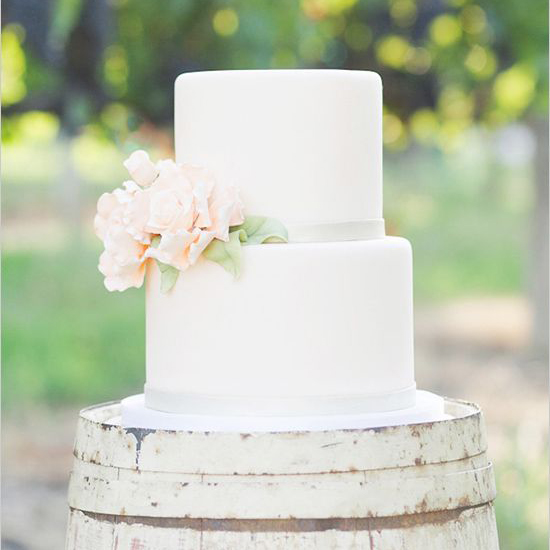 Simple Wedding Cakes: 7 Sweet + Simple Wedding Cakes